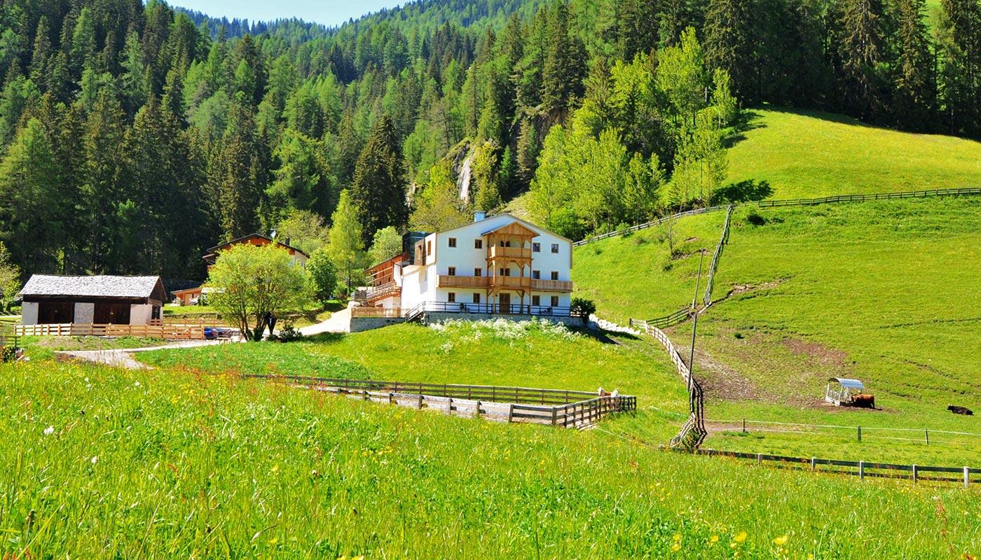 urlaub-zimmer-frühstück-bauernhof-pragser-wildsee-vacanza-maso-lago-di-braies-rooms-breakfast-farm-holidays-lake-sl1